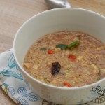 Miętowo-bakaliowa owsianka na mleku ryżowym