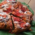 Czekoladowe ciasto z rabarbarem i truskawkami