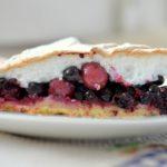 Kruche ciasto z jagodami, porzeczkami i agrestem – proste, szybkie, pyszne!