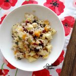 Kasza jęczmienna z owocami i pestkami – idealna na śniadanie