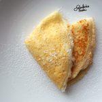 Tradycyjne naleśniki z białym serem