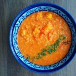 Rozgrzewająca zupa z ciecierzycą i garam masala