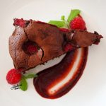 Mocno czekoladowe brownie z malinami