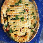 Warzywa zapiekane z serem feta pod ciastem francuskim