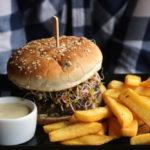 KROVA grill&pub Olsztyn. Burgery takie, że palce lizać!